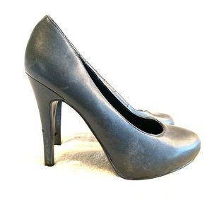 """Call it Spring black leather 4.5"""" heels  7"""